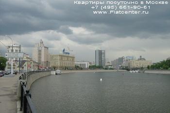 Вид на Краснопресненскую набережную города Москва