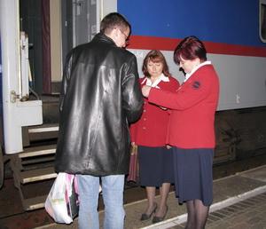 Проверка документов при посадке в поезд