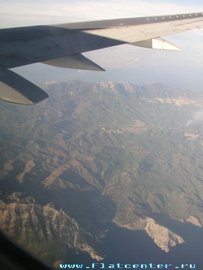 Вид из летящего самолёта.Фото самолёта.