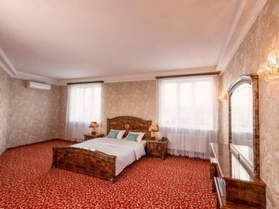 Фото, описание и отзывы об мини-отеле «Vnukovo Green Palace» рядом с аэропортом «Внуково» в Москве