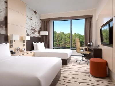 Фото, описание и отзывы о отеле «DoubleTree By Hilton» рядом с аэропортом «Внуково»
