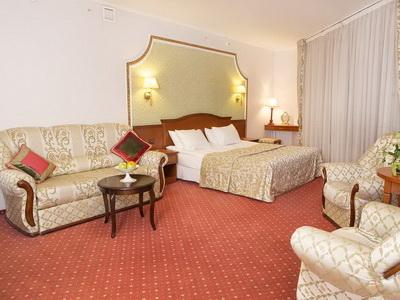 Фото, отзывы и рекомендации об отеле «Статус» в районе Арбат в Москве