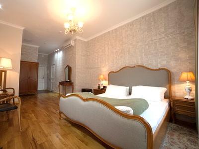 Фото, отзывы и рекомендации об отеле «Времена Года» в районе Арбат в Москве