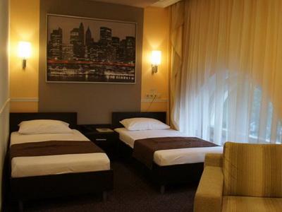Фото, описание и отзывы об отеле «Юджин» рядом с метро Авиамоторная в Москве