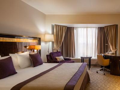 Фото, описание и отзывы о отеле «Crowne Plaza Moscow World Trade Centre » у «Экспоцентра»