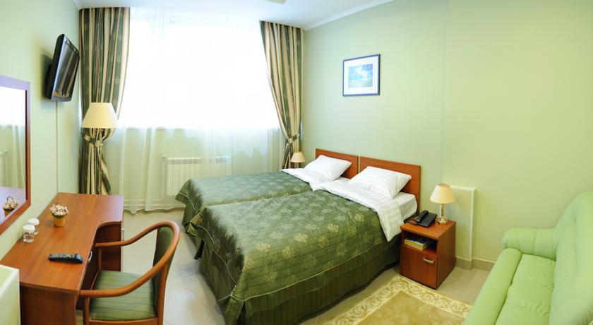 Фото, описание и отзывы об отеле «Maleton» рядом с метро Озерная