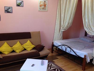 Фото, описание и отзывы квартиры посуточно рядом с Клиникой Федорова, Дубнинская ул. д.24 в Москве