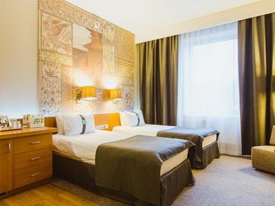 Фото, описание и отзывы о отеле «Холидей Инн Москва Симоновский» рядом с метро Крестьянская Застава