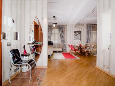 Забронировать эксклюзивные апартаменты посуточно на Кутузовском проспекте в доме 35
