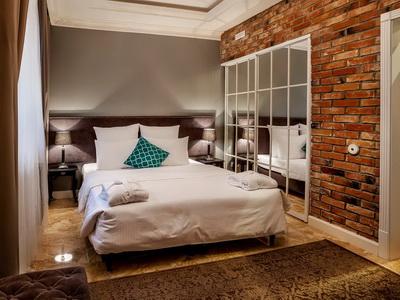 Фото, рекомендации и отзывы о гостинице «Резиденция Булгакова» рядом с метро Маяковская в Москве