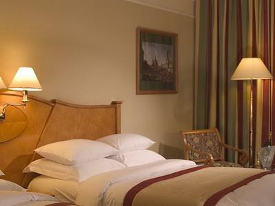 Фото, отзывы и рекомендации об отеле «Марриотт Москва Гранд» м.«Маяковская» в Москве