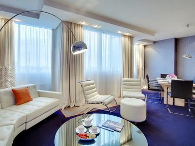 Фото, рекомендации и отзывы об гостинице «Рэдиссон Блу» рядом с метро Маяковская в Москве