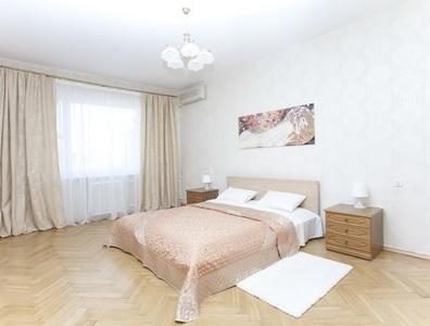 ЗФото, рекомендации и отзывы об апартаментах посуточно вблизи метро «Маяковская» в Москве