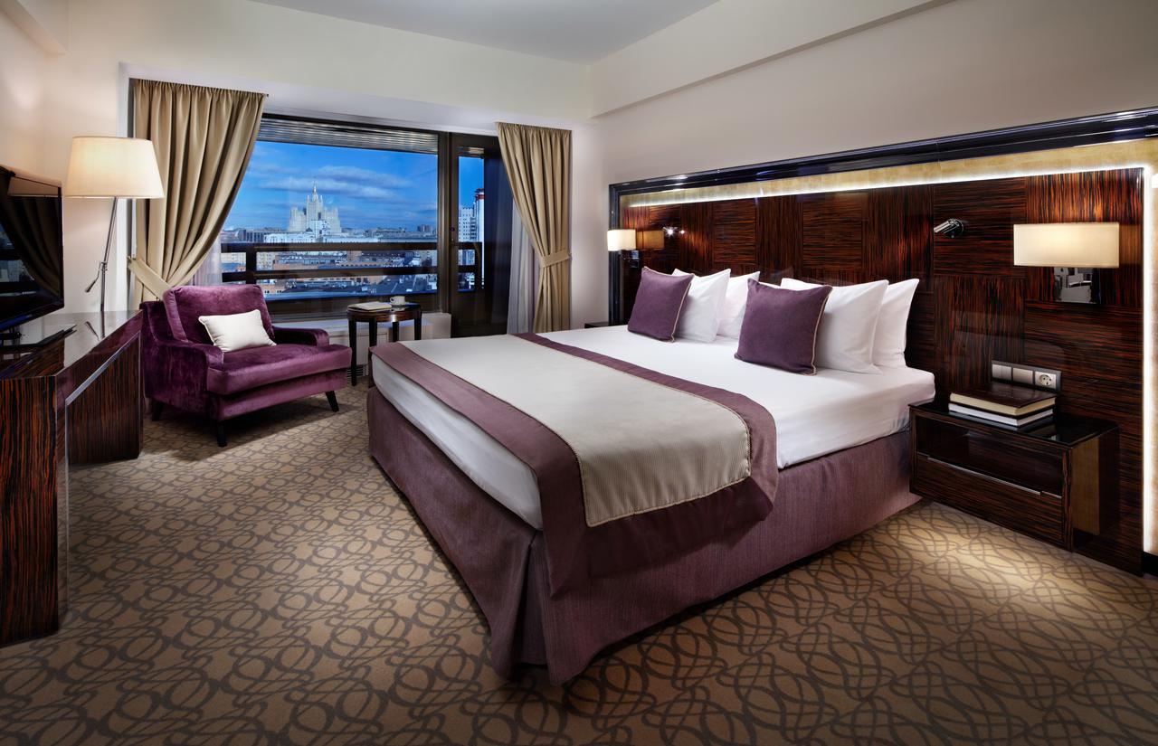 Фото, отзывы и рекомендации об отеле «Crowne Plaza Moscow World Trade Centre» вблизи «Москва-Сити»