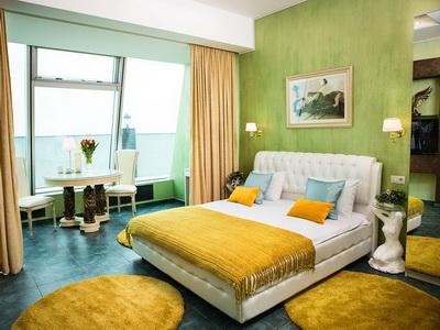 Фото, отзывы и рекомендации о номере с для двоих в отеле «Империя-Сити» в башне «Империя»