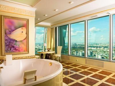 Фото, отзывы и рекомендации о номере с джакузи в отеле «Империя-Сити» в башне «Империя»