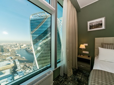 Фото, отзывы и рекомендации о номере на 48 этаже в отеле «Панорама-Сити» в башне «Империя»