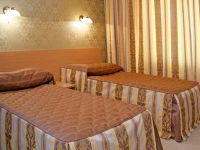 Фото, описание и отзывы об отеле «Шерстон» Гостиничный пр-д д.8 рядом с метро «Отрадное» в Москве