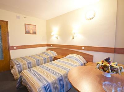 Фото, описание и отзывы об гостинице «Спутник» рядом с метро «Профсоюзная»