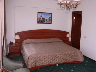 Снять номер в отеле «Берлин» у м.«Нахимовский Проспект»