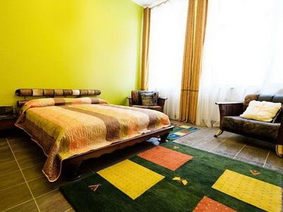 Фото, описание и отзывы об апартаментах посуточно в бутик-отеле «Зодиак» рядом с метро Тульская в Москве