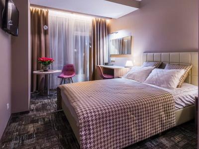 Фото, отзывы и рекомендации об отеле «Панорама Сити» посуточно у м.«Шелепиха&, в небоскребе «Империя»