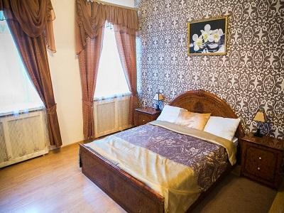 Фото, описание и отзывы об отеле «Happy (Paradise)» рядом с метро Смоленская в Москве