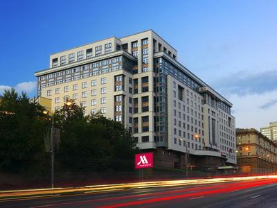 Фото, описание и отзывы об отеле «Марриотт Новый Арбат» рядом с метро Смоленская в Москве