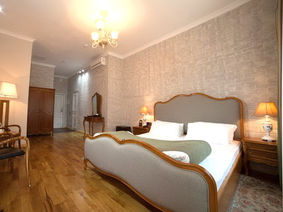 Фото, отзывы и рекомендации об отеле «Времена Года» м.«Баррикадная» в Москве