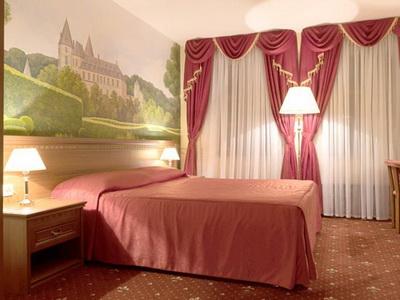 Фото, описание и отзывы жильцов об отеле Юность рядом с метро «Фрунзенская»