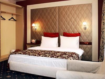 Фото, описание и отзывы о гостинице «Best Seasons» рядом с метро Тульская в Москве