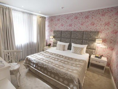 Фото, рекомендации и отзывы об отеле «Де Пари» рядом с метро Трубная в Москве