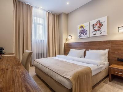 Фото, отзывы и рекомендации об отеле «Riverside» у м.«Международная»