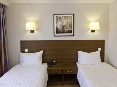 Фото, отзывы и рекомендации о номере с для двоих в отеле «Аминьевская» Аминьевское шоссе 6