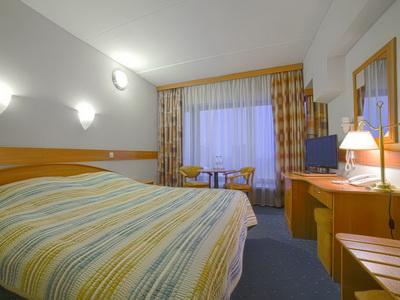 Фото, отзывы и рекомендации о номере с панорамным видом в отеле «Спутник» Ленинский Пр-т д.38