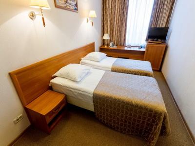 Фото, отзывы и рекомендации о номере с для двоих в отеле «Центральный Дом Туриста» на Ленинском Пр-те д.146