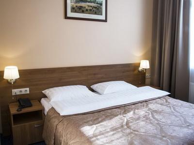 Фото, отзывы и рекомендации о номере с для двоих в отеле «Малетон» ул.Ак. Анохина 11а
