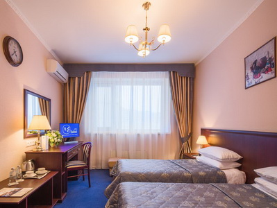 Фото, описание и отзывы жильцов об отеле «Салют» рядом с метро Университет