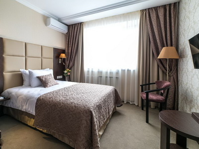 Фото, отзывы и рекомендации о номере с панорамным видом в отеле «Салют» Ленинский Пр-т 158