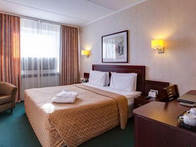 Фото, рекомендации и отзывы об отеле «Аэростар» рядом с метро «Зорге»