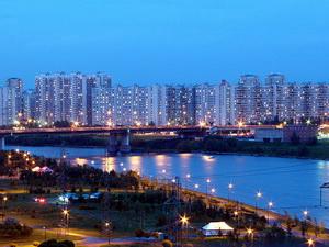 Фото района у м.Братиславская