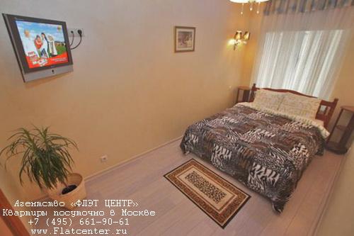 Квартира посуточно на м.Маяковская,ул.Гашека д.11.