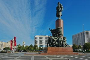 Фото района у м.Октябрьская