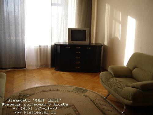 Квартира посуточно на м.Парк Победы,ул.Генерала Ермолова д.10.