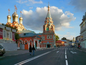 Фото района у м.Полянка