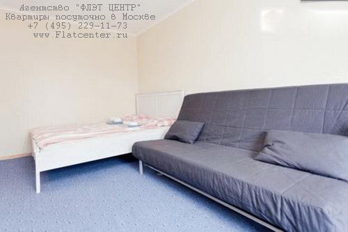 Квартира посуточно на м.Пражская,ул.Красного Маяка д.5.
