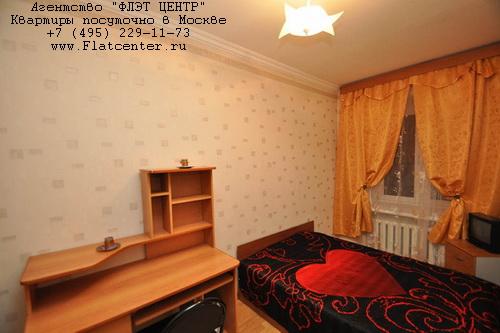 Квартира посуточно на м.Улица 1905 года,Б.Трехгорный пер д.1.